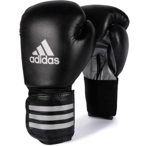 Боксерские перчатки фирмы Adidas