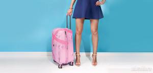 девушка с багажем