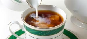 зеленый чай с молоком