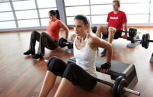 девушки выполняют упражнения Hot Iron