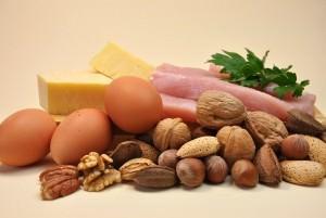 яйца и орехи