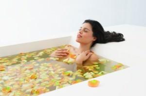 девушка в липовой ванне